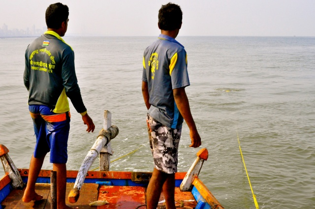 Kolis fishing in Mumbai Bay