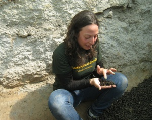 Lindsay Saperstone on her GSSE field work in Bolivia, literally getting her hands dirty.